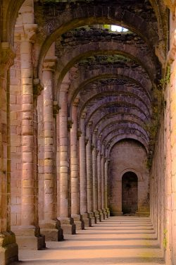 Fountains-Abbey-Full